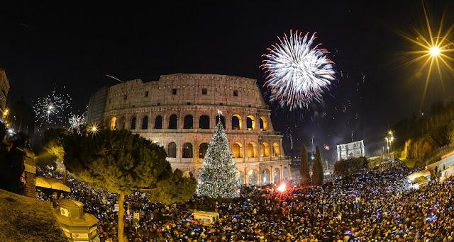 Assista a queima de fogos no Ano Novo em Roma