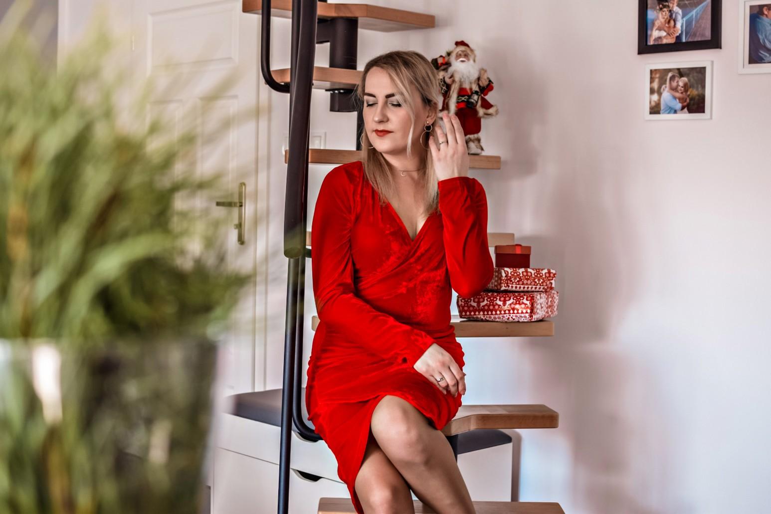 Czerwona, elegancka sukienka