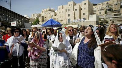Banho de purificação pós-menstrual entra na campanha em Israel