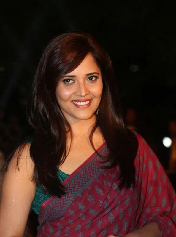 Telugu Anchor At TV Awards In Maroon Saree Anasuya