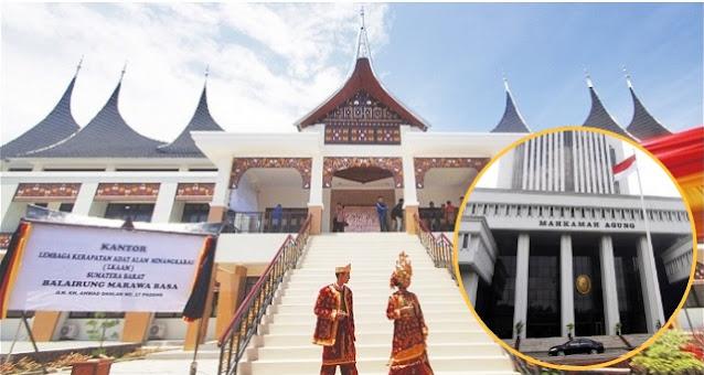 Gugatan Lembaga Adat Minangkabau Dikabulkan, MA Perintahkan Yaqut-Nadiem Cabut SKB Seragam Sekolah