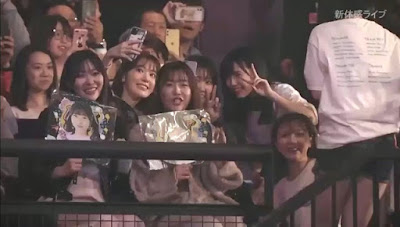 Miyawaki Sakura and Yabuki Nako spotted in HKT48 concert