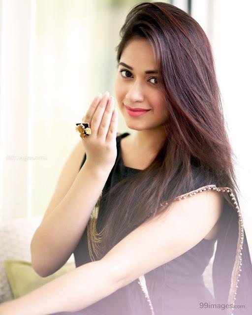 Jannat Zubair Images, Age Height Weight, Husband, Biography