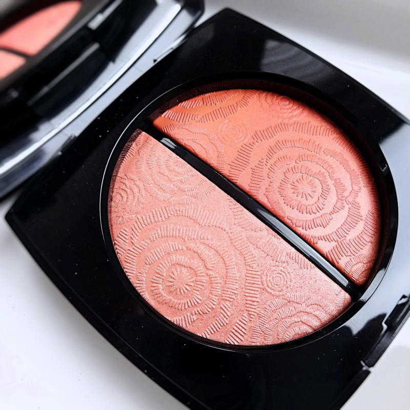 Chanel Fleurs de Printemps blush and highlighter duo swatches