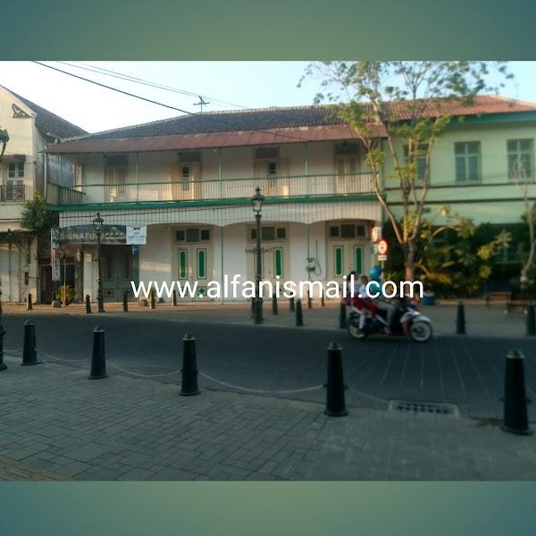 Kota Lama Semarang Lokal Rasa Eropa