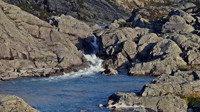 rzeka polodowcowa w Parku Narodowym Folgefonna