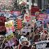 Λονδίνο – «Να διώξουμε τον Τραμπ» το σύνθημα των διαδηλωτών - ΦΩΤΟ