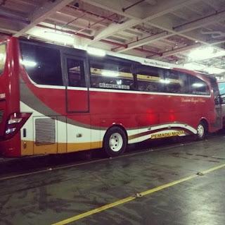 Bus Damri Depok