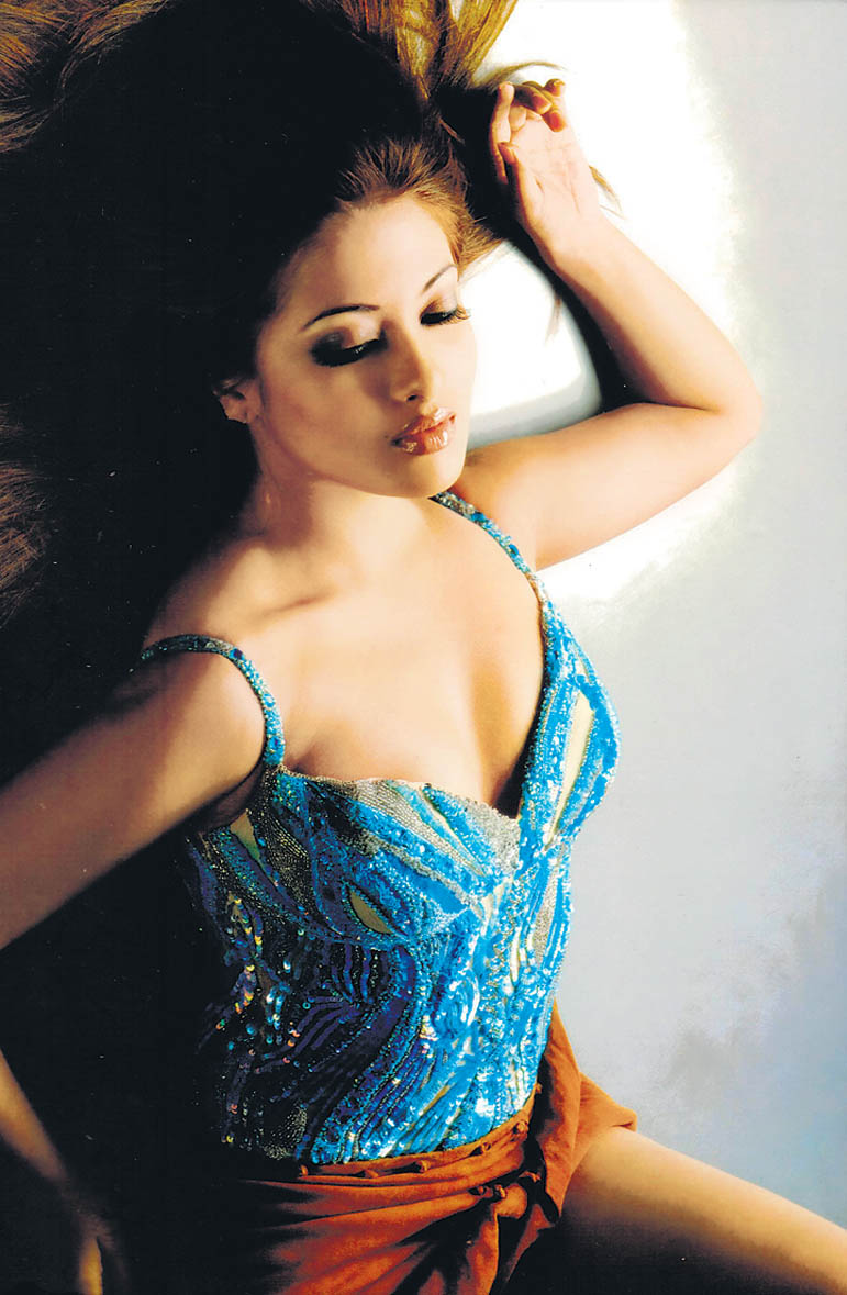 Riya Sen Unseen Photos In Very Sexy And Hot Moodhot -2285