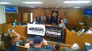 County Commissioners succumb to Bannermania