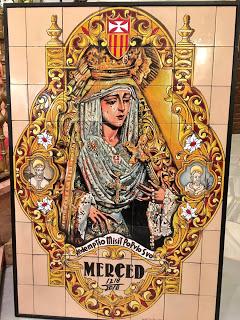 Un retablo cerámico de la Madre y Señora de la Merced en el Compás de la Victoria de Málaga