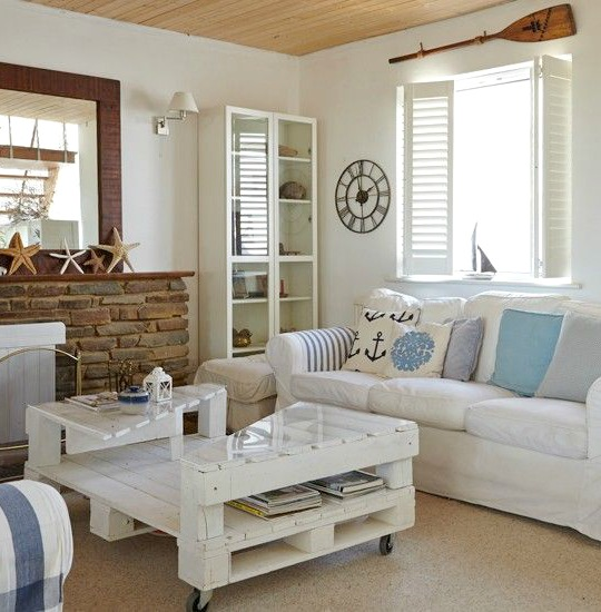 Living room with white painted pallet coffee table