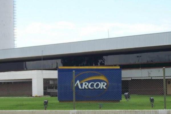 El titular de Arcor, Luis Pagani, confirmó que licenciará a 2500 empleados entre octubre y noviembre