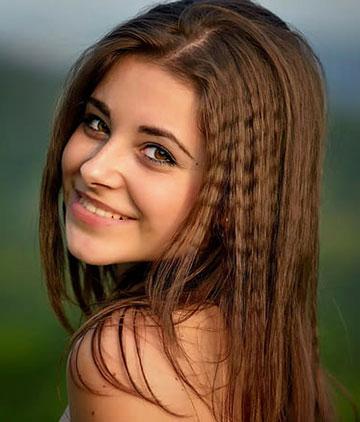 खूबसूरत लड़कियों की फोटो वॉलपेपर डाउनलोड करें