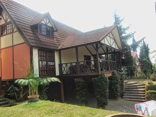 Villa E-2 istana bunga Lembang