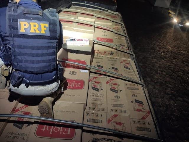 PRF apreende R$ 2,5 milhões em cigarros contrabandeados em Maringá (PR)
