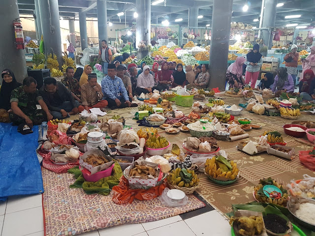 KodimKaranganyar – Tasyakuran Bulan Muharam di Pasar Wisata Tawangmangu