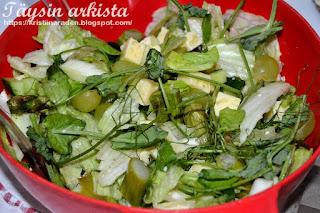 Parsa-fenkoli-juustosalaatti