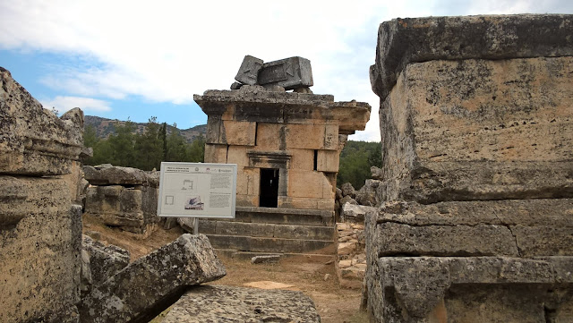 Pamukkale Hierapolis Antik Kentindeki Mezarlar