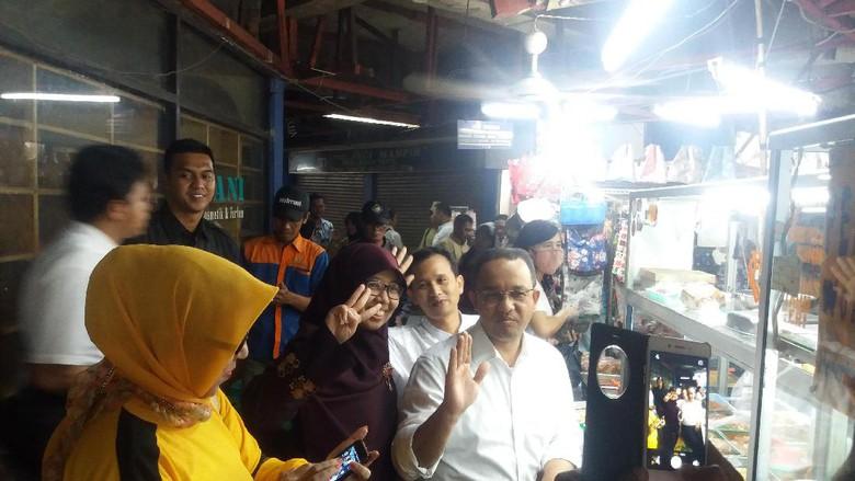 Dikunjungi Anies Bawesdan, Pedagang Pasar Tebet Ngaku Lebih Suka Ahok