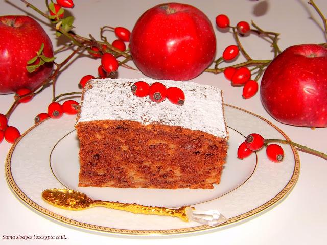 Ciasto z jabłkami, pyszne i aromatyczne.