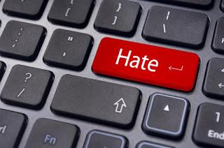 Kebencian adalah salah satu tanda hatimu tercuri