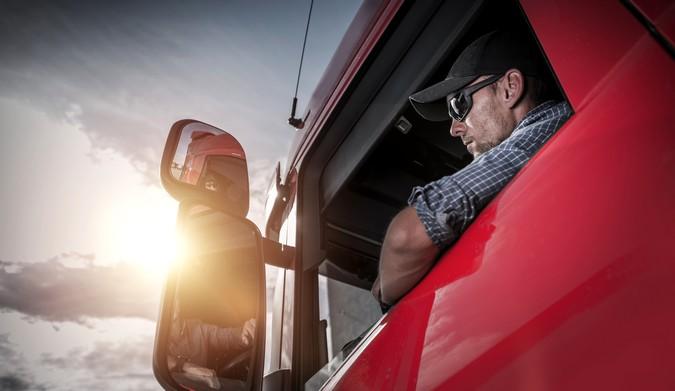 Projeto de lei cria cadastro nacional para caminhoneiros e prevê benefícios