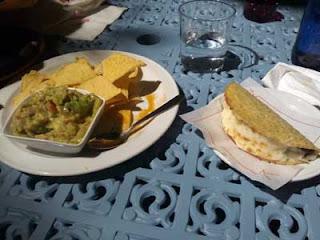 Guacamole y taco texano del restaurante Panchito de Sabadell