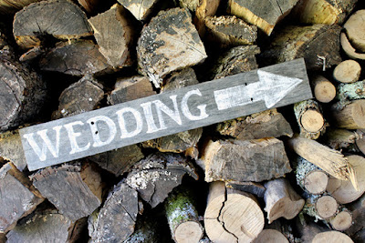 DIY rustic wedding sign