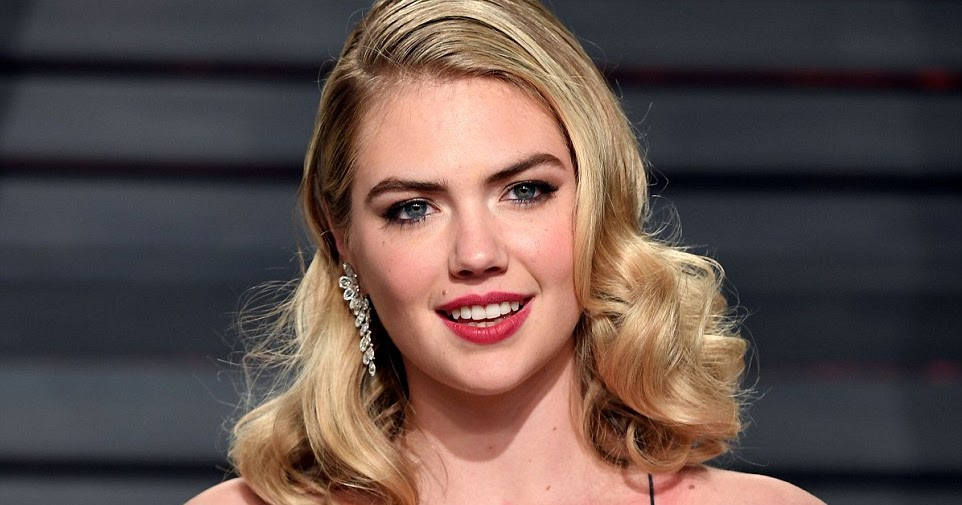 1200 vanity unit - Kate Upton Bares Cleavage In A Sequinned Gown At The 2017
