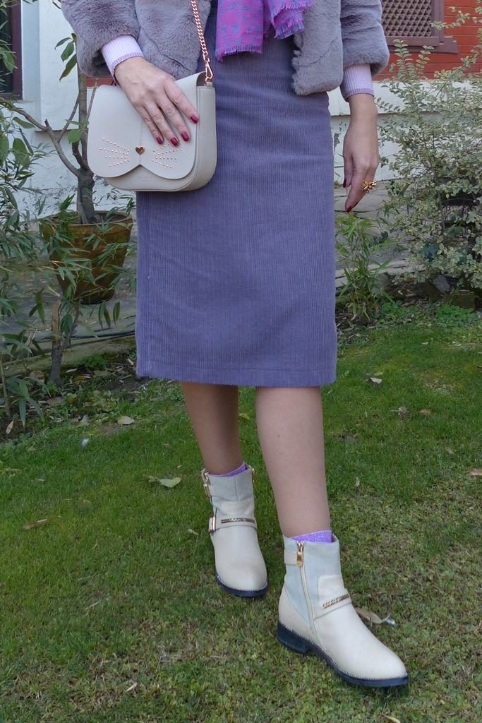 corduroy pencil skirt and beige ankle boots