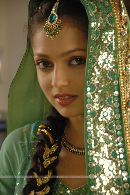 Indian Tv Actress Drashti Dhami Biography, Age, Height -1582