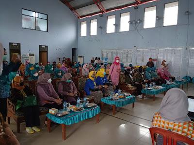 Tim TP PKK, Dekranasda, LKKS, Perwosi, PAUD Provinsi Lampung Lakukan Pembinaan Di Kabupaten Pesisir Barat