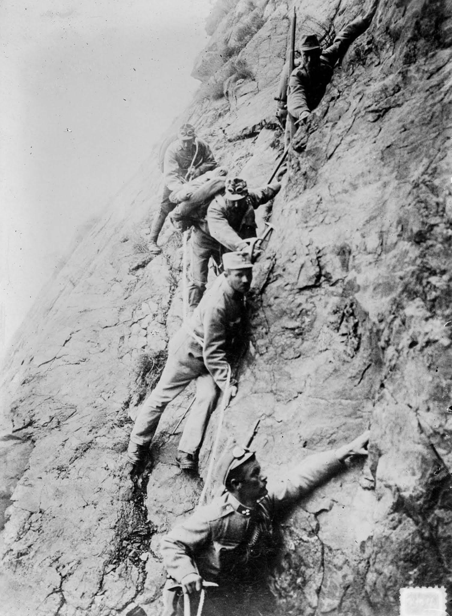 Austrian soldiers descend a cliff. 1915.