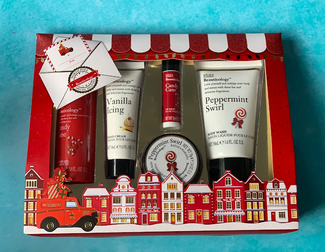A red and white fun Christmas Beauty Gift Set