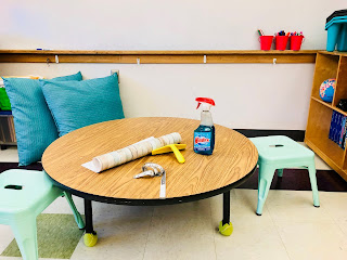 Turn ugly classroom table into a cute table