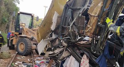 Sobe para 18 o número de mortos em acidente com ônibus de Mata Grande
