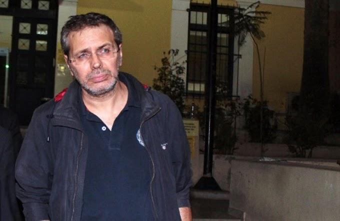 """Καταζητείται ο Στέφανος Χίος για το σημερινό πρωτοσέλιδο της εφημερίδας """"Μακελειό"""""""