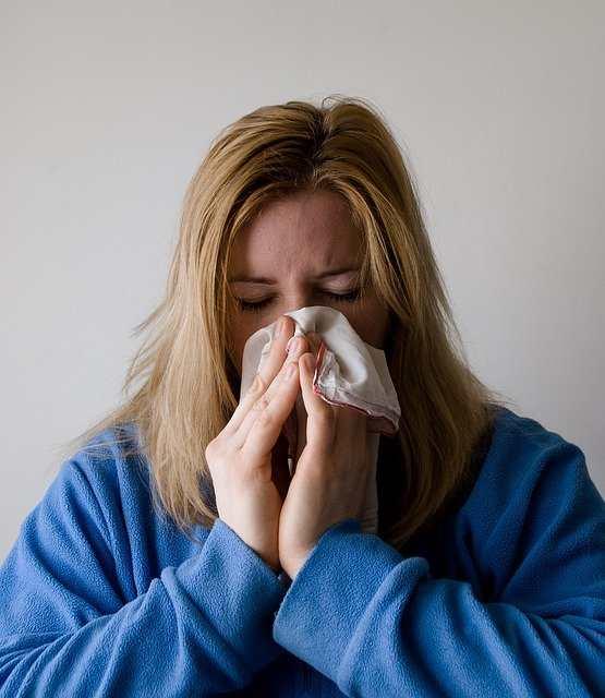 انسداد الأنف والبلغم عند الحامل الأسباب وطرق العلاج