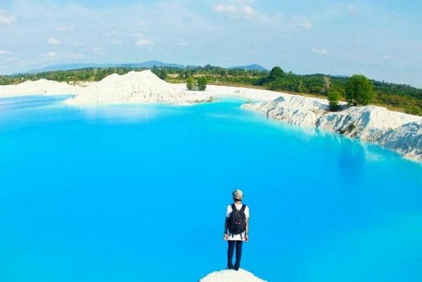 Pesona Memukau Danau Kaolin Aek Biru Kepulauan Bangka Belitung