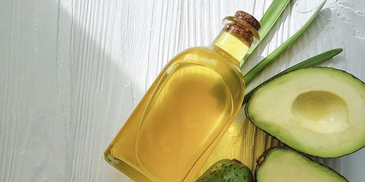 ulje_avokada-hidratacija_kože-njega_kože-vitamini-antioksidansi
