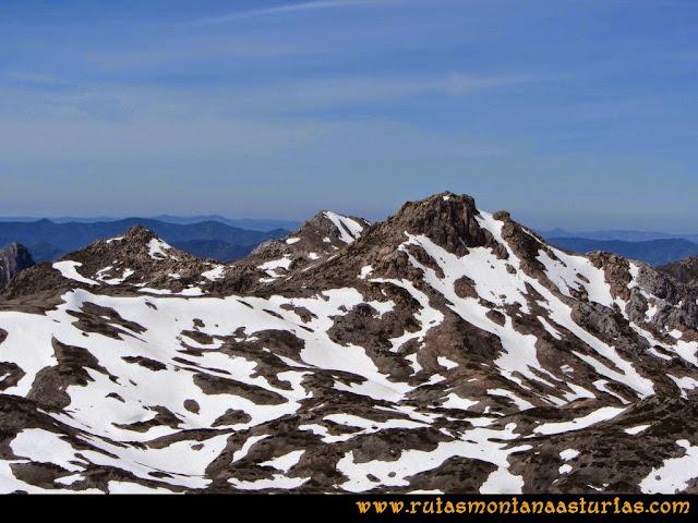Ruta Farrapona, Albos, Calabazosa: Vista de los Albos desde el Calabazosa