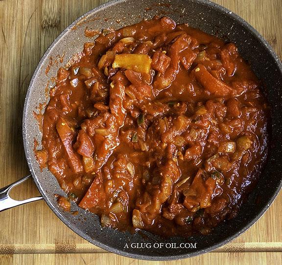 Sauce for patatas bravas before blending