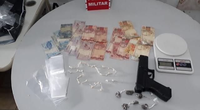 Suspeitos de tráfico são presos em um bar durante a madrugada na cidade de Mamanguape
