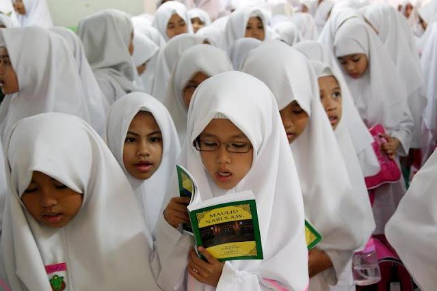 Kementerian Agama Tunjukkan Aturan Guru Kristen Bisa Mengajar di Madrasah