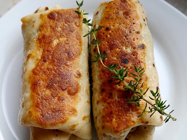 Naleśniki z jarmużem, pieczarkami i serem feta - Czytaj więcej »