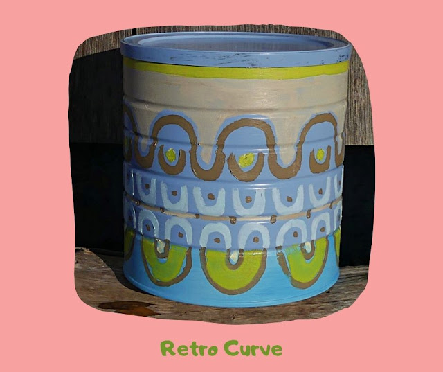 Retro Curve Pot by Minaz Jantz