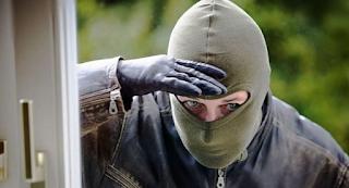 Απίστευτο 25 πρώην διαρρήκτες συνιστούν: «Αυτό το λάθος κάνετε και σας κλέβουμε, αν θέλετε να προστατευτείτε…»