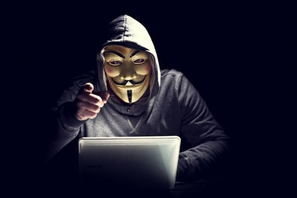 diferença entre hacker e cracker