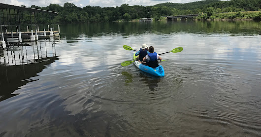 Kayaking, Music and Lots of Food in Branson